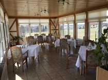Restaurant mit Wintergarten und Seeterrasse