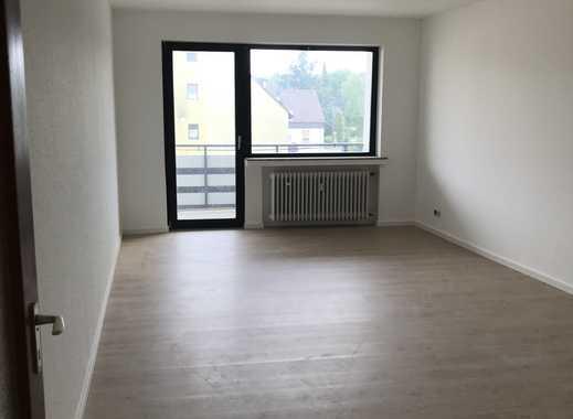 RENOVIERT !! - schöne 3 Zimmer Wohnung mit Balkon