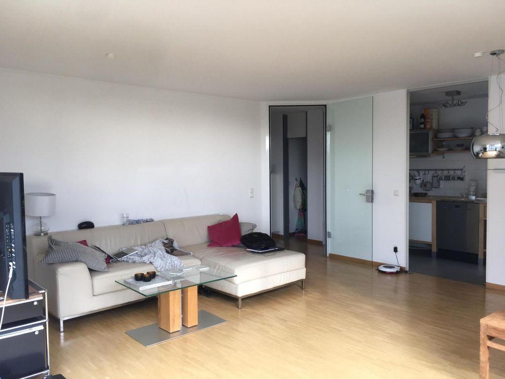 15 qm zimmer in 2er wg isarvorstadt direkt am flaucher. Black Bedroom Furniture Sets. Home Design Ideas