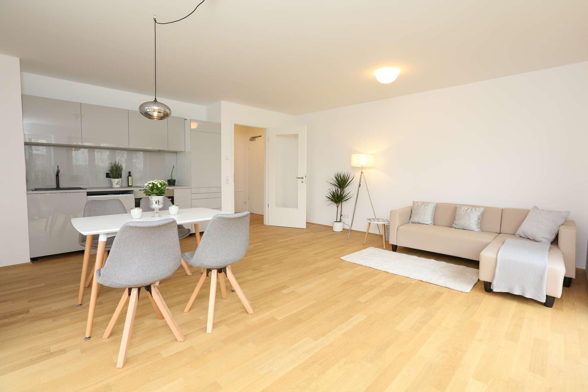 Erstbezug: sonnige, teilmöblierte 2-Zimmer-Gartenwohnung mit Einbauküche  in Vaterstetten in Vaterstetten