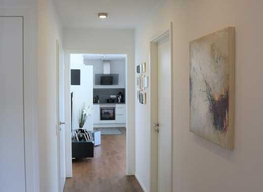 Mit Blick auf die Ruhrauen. Exklusive, neuwertige 3,5-Zimmer-Wohnung mit Balkon und EBK in Herdecke