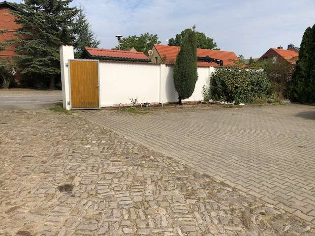 Innenhof mit Parkplätze