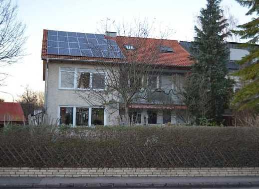 Gepflegtes 3-Familienhaus in guter Lage von Bad Windsheim. Zusatz-Einnahmen durch Photovoltaik