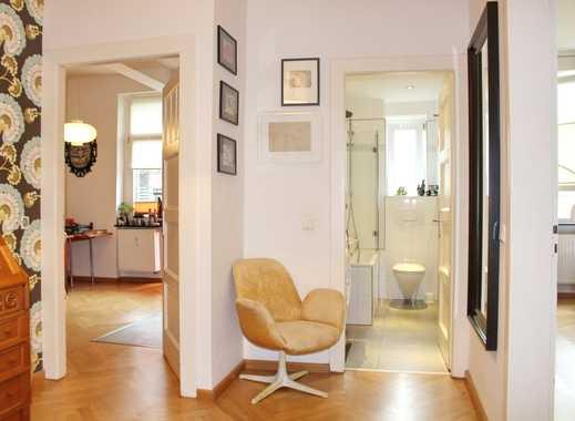 Avaiable now for 3-6 months: Sanierte & möblierte 3-Zimmer-Altbauwohnung mit Balkon & TG nähe Hbf