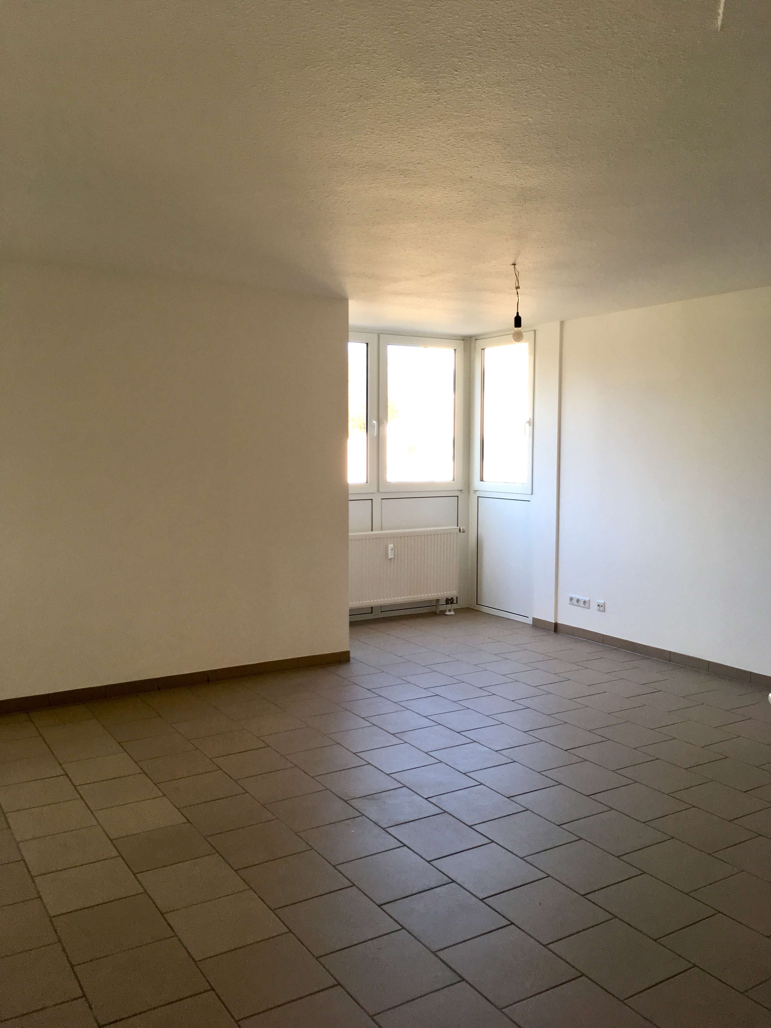 Renovierte Wohnung + Balkon + Aufzug + Altersgerecht - Innenstadt Fürth in