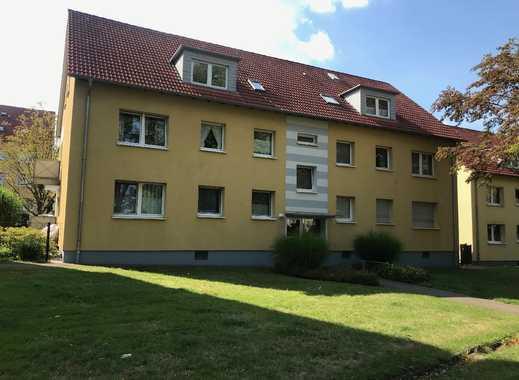 Frisch modernisierte Dachgeschosswohnung mit 3 Zimmern, Küche und Tageslichtbad