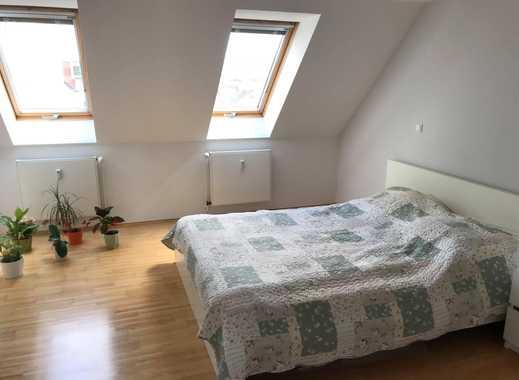 WG - Female Roommate Wanted in Furnished Bedroom in Heart of Berlin (Friedrichshain - 4 min biking t