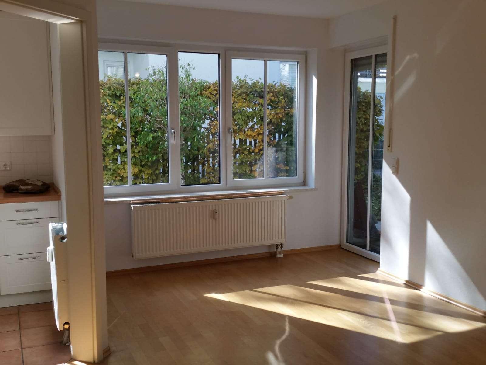 Gepflegte 3-Zimmer-Maisonette-Wohnung m. Terasse, Gartenanteil u. Einbauküche in München-Fürstenried in Fürstenried (München)