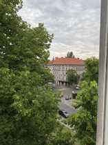 Bezugsfreie renovierungsbedürftige DG-Wohnung mit Weitblick