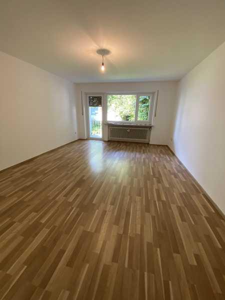 Gepflegte 2 Zimmer Wohnung mit großem Balkon im Zentrum Waldkraiburg in Waldkraiburg