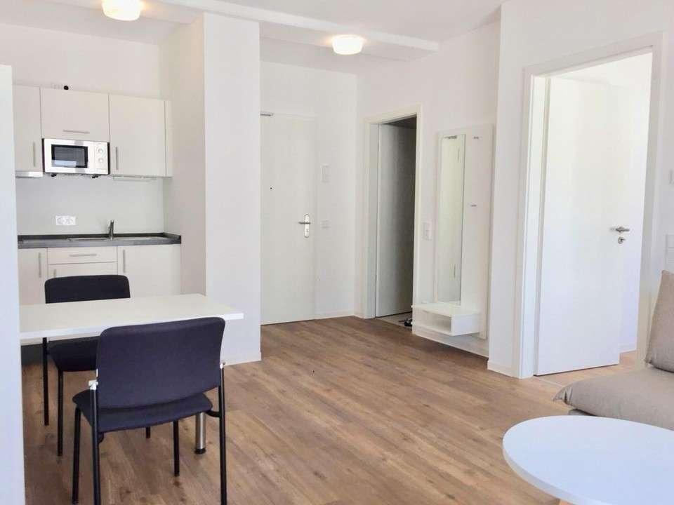 *Möbliertes 2-Zimmer-Appartment mit Balkon* in Südstadt (Fürth)