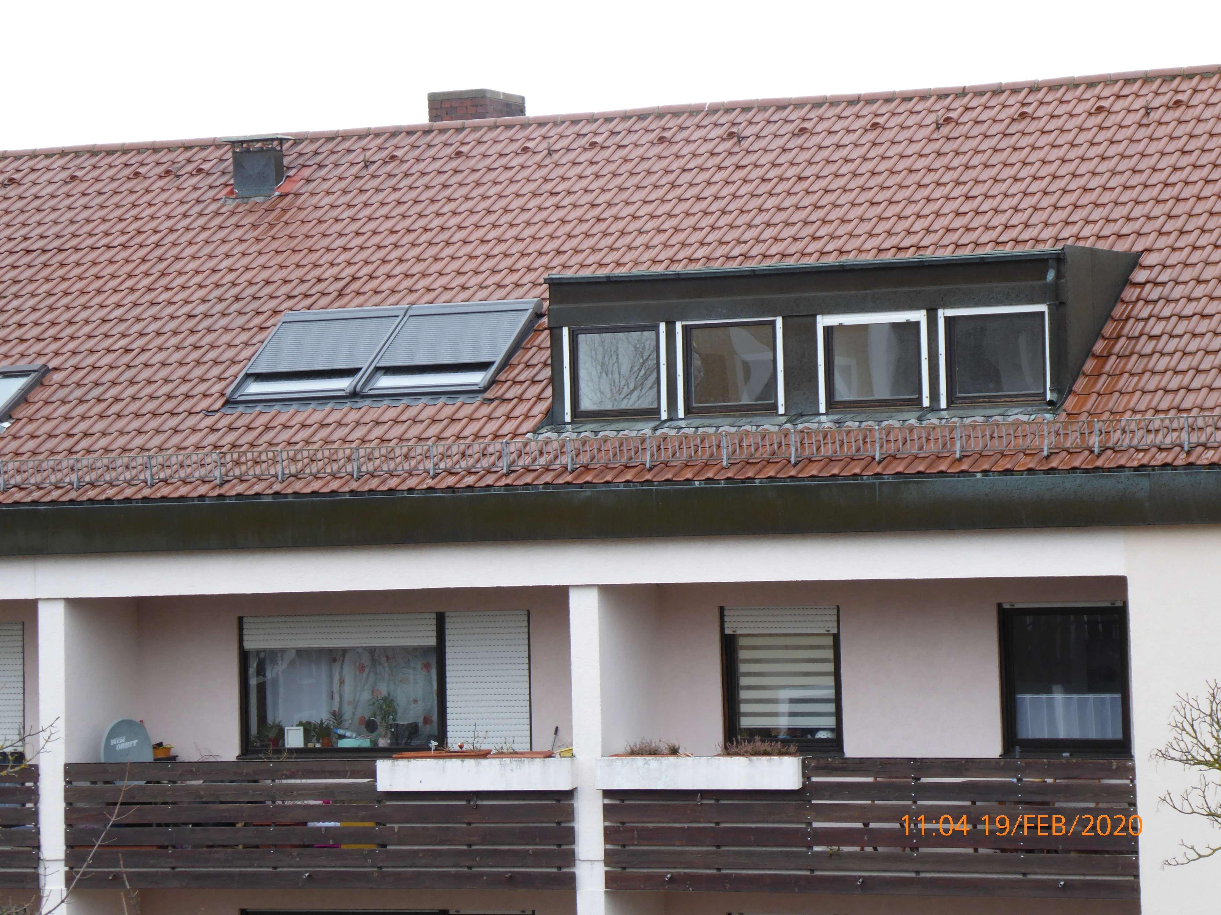 Große sonnige, renovierte, modernisierte 4-Zimmer-Dachgeschoß-Wohnung in