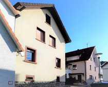 Gemütliches modernisiertes Haus mit Freisitz