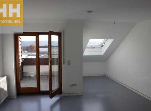 Entzuckend Helle Großzügig Geschnittene 1 Zimmer Single  Dachgeschoßwohnung Mit Loggia  Und Tiefgaragenstellp.