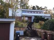 Gepflegte 5-Zimmer-Terrassenwohnung mit Balkon und