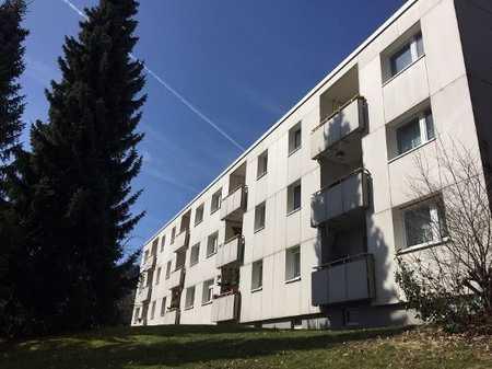 +++ Helle 2,5 Raumwohnung mit Balkon und EBK +++ in Bad Steben