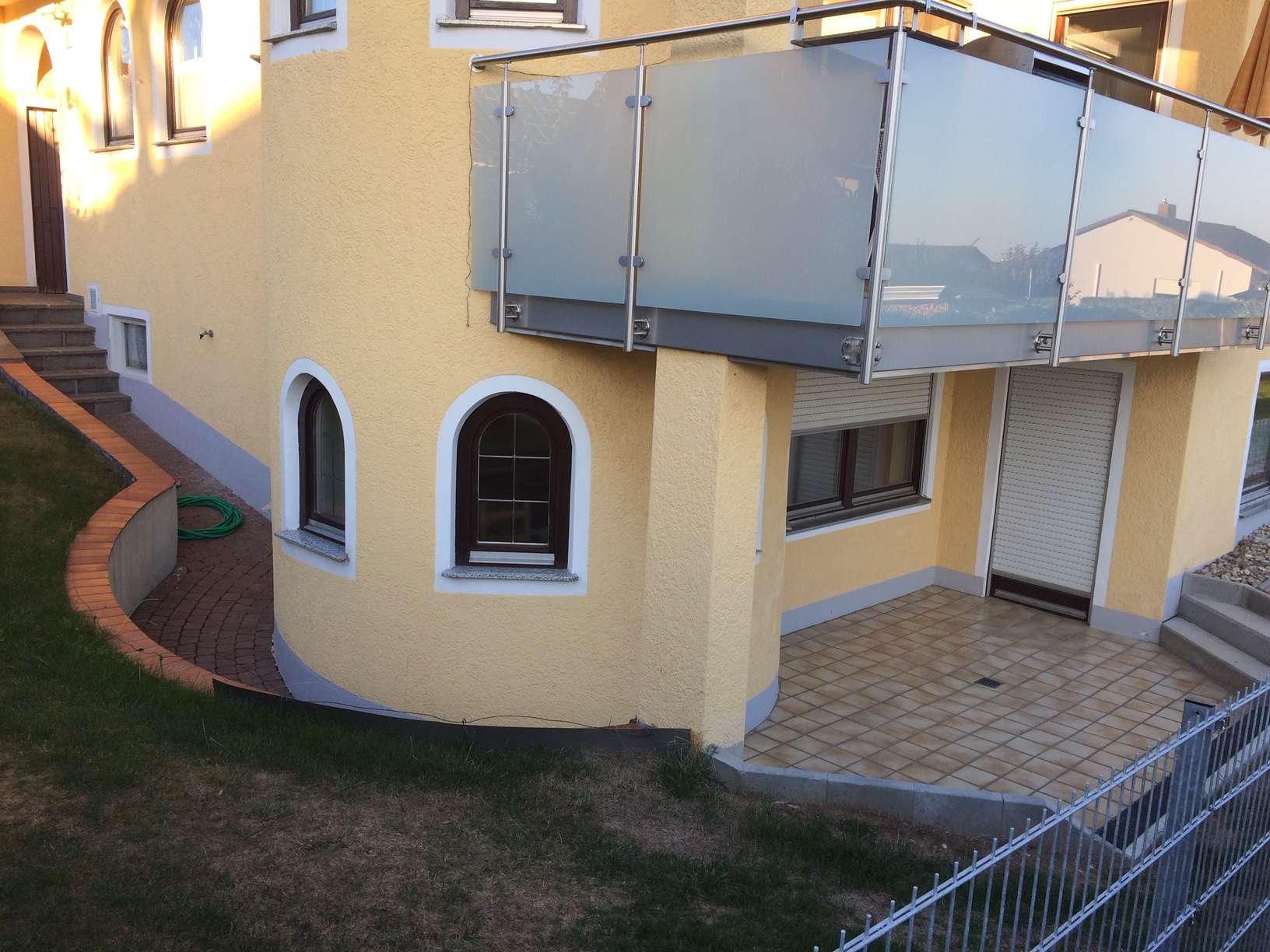 Schöne, geräumige zwei Zimmer Wohnung Kösching, Eixelberg