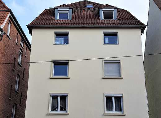 Sonnige 3,5-Zimmer-Obergeschoss-Wohnung über 2 Ebenen mit Balkon und Einbauküche in Stuttgart