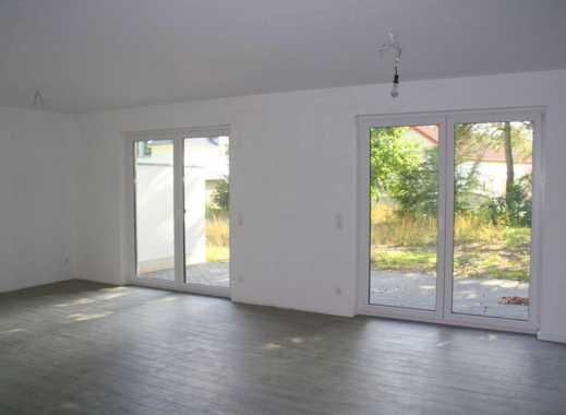 Neuwertige, traumhafte 4-Zimmer-Doppelhaushälfte mit Garage und Abstellraum in ruhiger Lage!