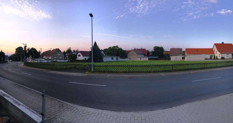 großzügiges Baugrundstück (auch parzellierbar) im Ortskern von Thiendorf - Grundstück zum Kauf in Thiendorf