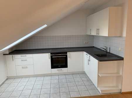 Provisionsfrei! Gemütliche Dachgeschosswohnung mit Balkon zu vermieten in Forstinning