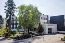 Bild Attraktives Grundstück (ca. 10.600m²) mit Seminar- und Bürogebäude zu verkaufen
