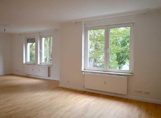 Erstbezug nach Sanierung: Wunderschöne Altbauwohnung in ruhiger Lage mit Grünblick!