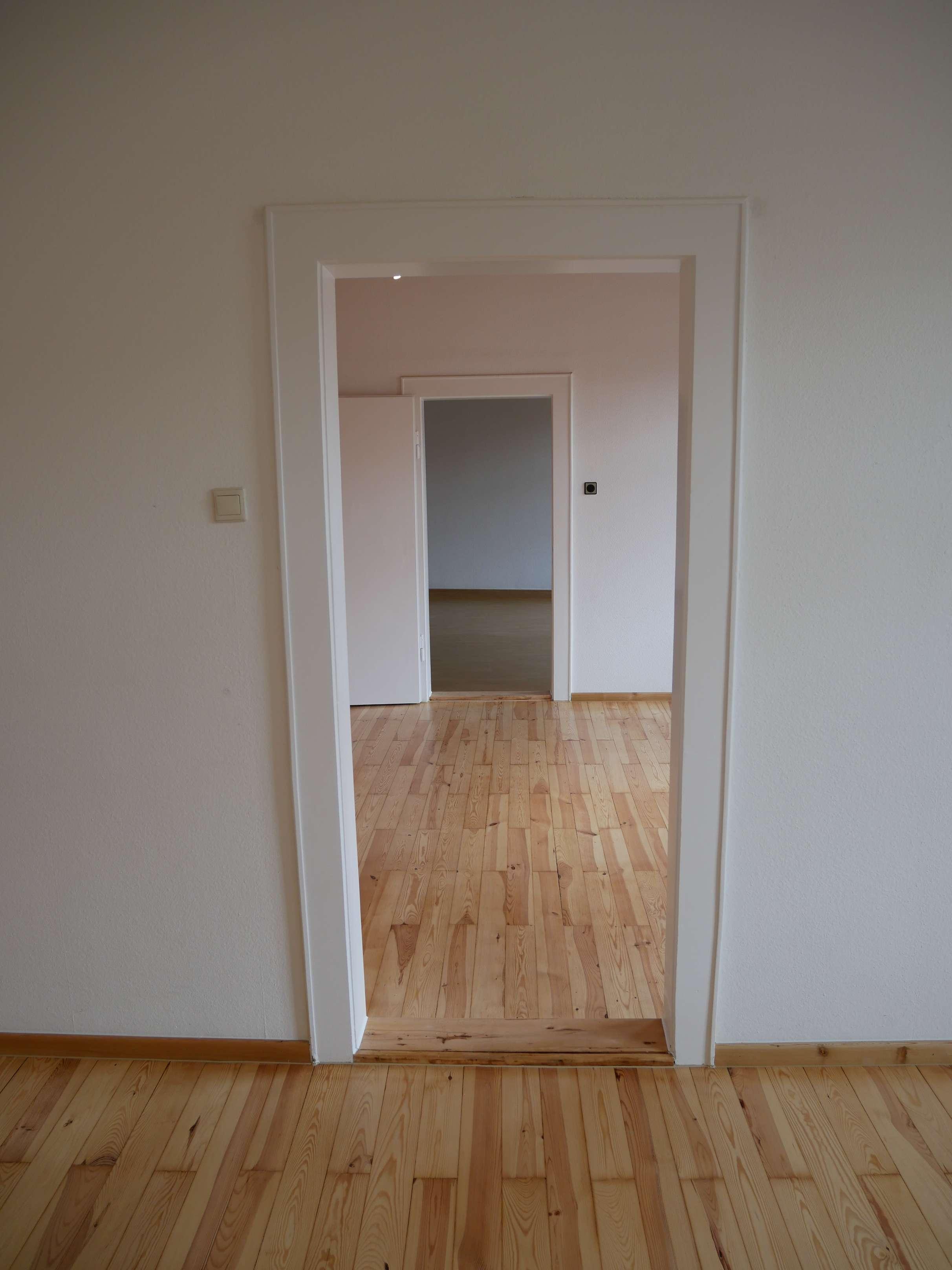 City Living! Zentral gelegene und sehr helle 4-Zimmer Wohnung (3.OG ohne Lift, PKW-Stellplatz) in Gostenhof (Nürnberg)