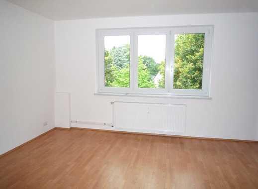Gepflegte 2,5-Zimmer-Wohnung mit Balkon und Einbauküche in Bramfeld, Hamburg