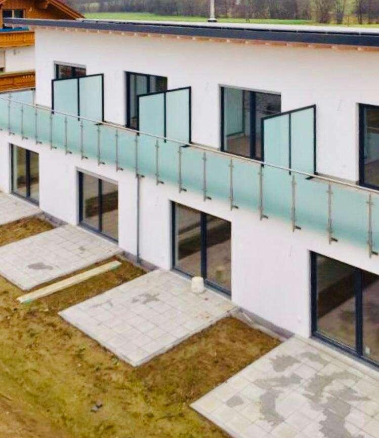 Neuwertige schöne 1,5-Zimmer-Terrassenwohnung in Deggendorf mit EBK in