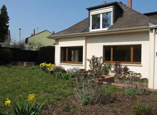 Jung & Kern Immobilien - Freistehendes Einfamilienhaus mit 7 Zimmern!!! in ruhiger Lage