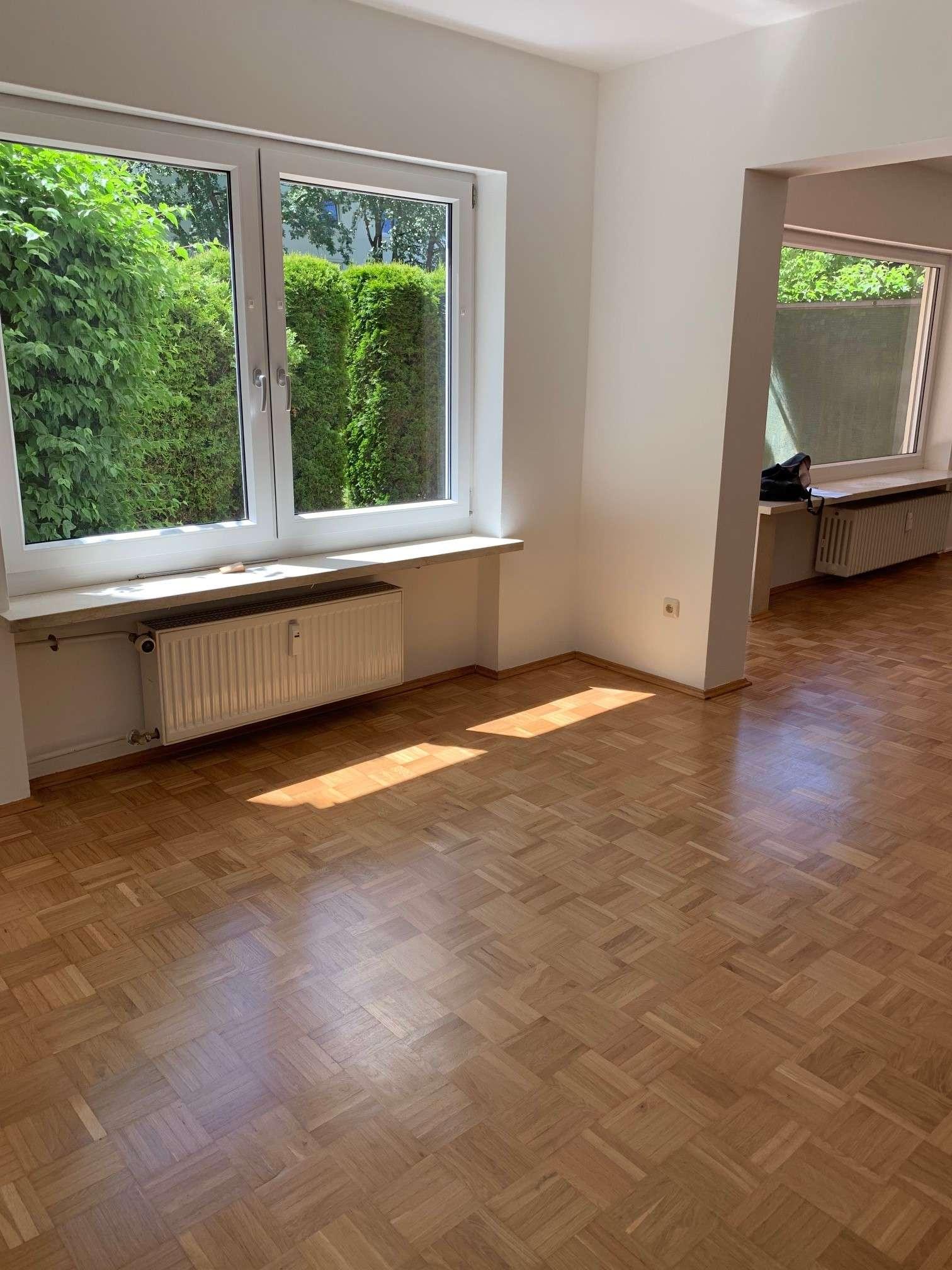 Sonnige, wunderschöne 3-Zimmer-Erdgeschosswohnung mit Terrasse und Einbauküche in München-Solln