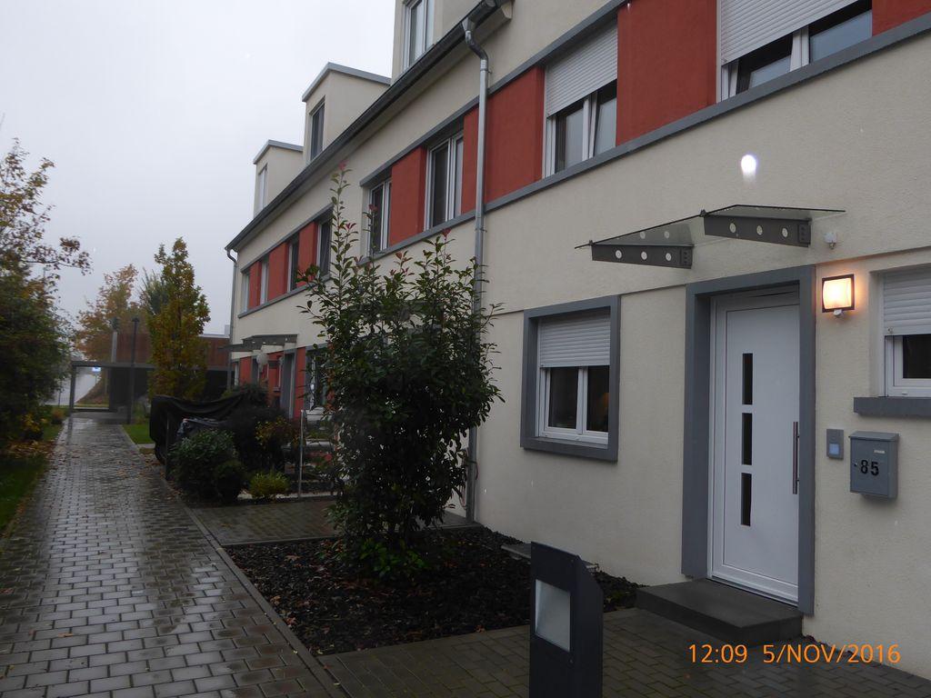 MZ, Franziska-Kessel-Str. / Raumwunder /Neuwertiges Haus mit Garten ...