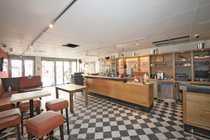 Vollexistenz - kompaktes eingerichtetes Café in