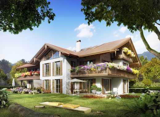 In beneidenswerter Lage: Wohnoase mit ausgewogenen Proportionen, charmanten Details und Sonnenbalkon