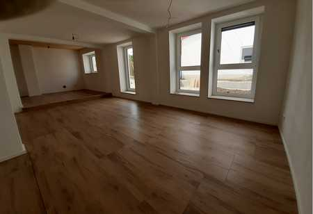 Erstbezug nach Sanierung: günstige 5,5-Zimmer-Wohnung mit EK, Terrasse und Garten in ST Nördlingen in Nördlingen