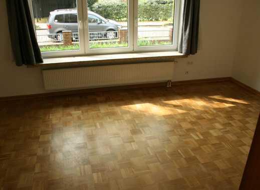 Erstbezug nach Sanierung: ansprechende 3,5-Zimmer-EG-Wohnung mit Garten in Heide
