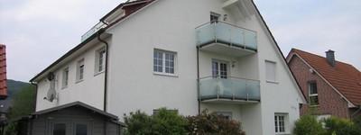 Moderne Wohnung in Kurparknähe, 2 Balkone, 1 Dachterrasse, Einbauküche, Vollbad, etc.
