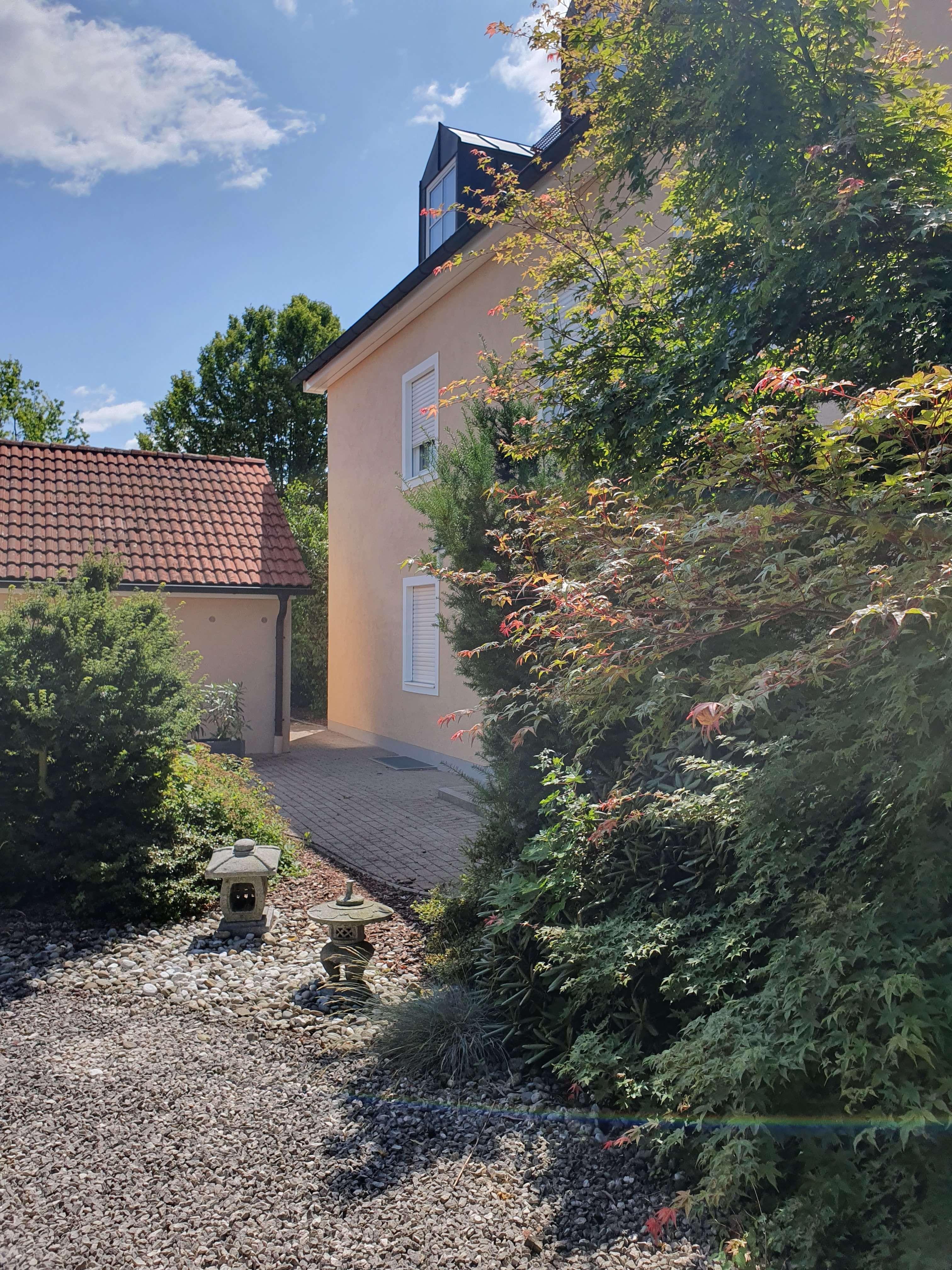 Attraktive 3 Zimmer Maisonette Wohnung mit Balkon und hochwertiger Einbauküche in Mühldorf am Inn