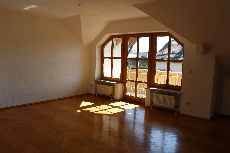 Zentral gelegene, ruhige,  3,5-Zimmer Dachgeschosswohnung  in Olching in Olching