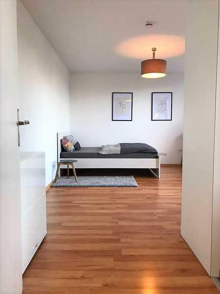 Ruhiges möbliertes Appartement mit Balkon in Pullach im Isartal