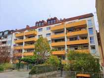Schöne 2-Zimmer Dachgeschosswohnung in St