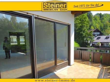 AB SOFORT: großzügige 2-Zimmer-Erker-Wohnung ca. 72 m², gehobe Ausstattung, Balkon, LIFT, TG-Platz in Garmisch-Partenkirchen