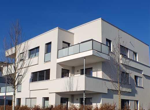 Neuwertiges 6-Familienwohnhaus in Frankfurt-Riedberg mit Carports