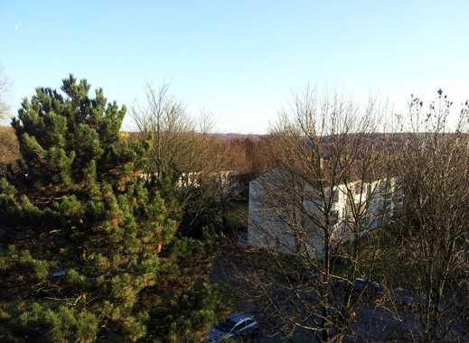 AUFGEPASST! 3-Raum-Wohnung mit Balkon und schöner Aussicht in Bergerhausen