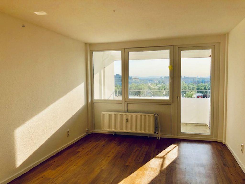 exklusive modernisierte 1 zimmer wohnung mit balkon und. Black Bedroom Furniture Sets. Home Design Ideas