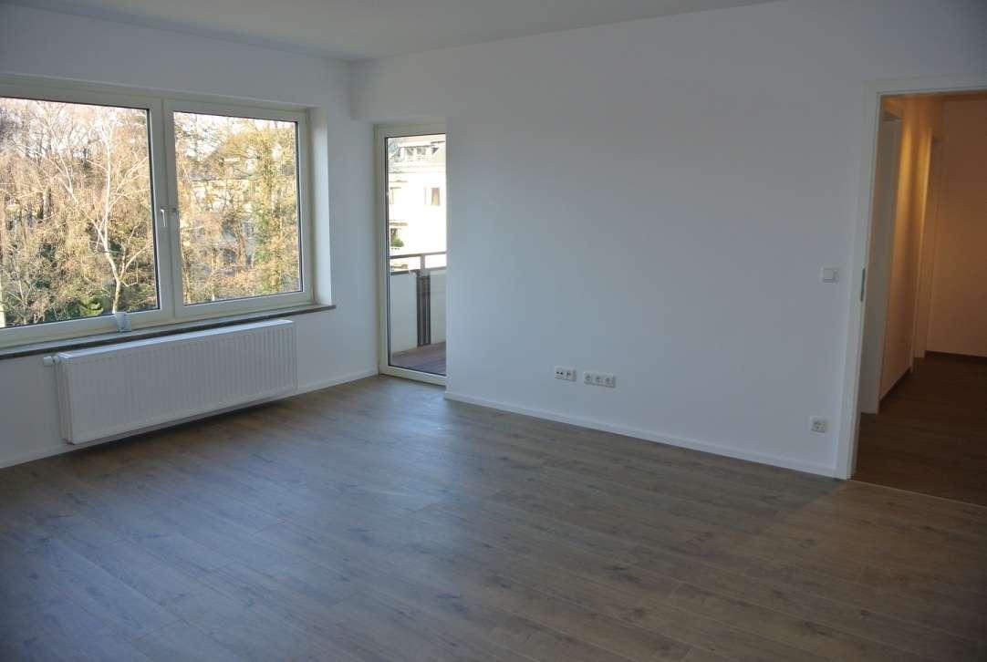 Helle 1-Zi.-Whg. mit großem West-Balkon - Küche und Bad mit Fenster in Obergiesing (München)