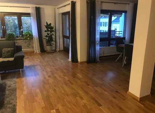 Stilvolle, sanierte 4,5-Zimmer-Wohnung mit Balkon und EBK in Lörrach