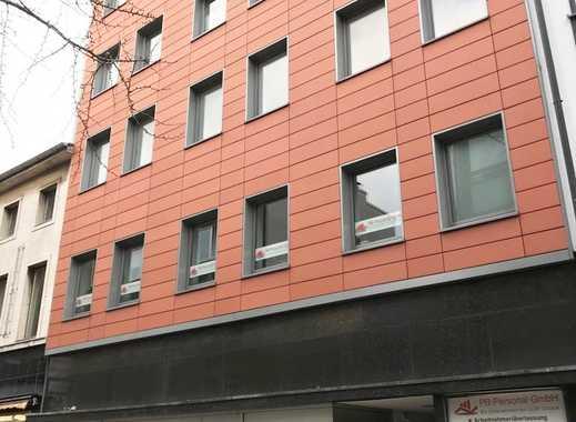 Modernes großzügiges Ladenlokal mit ca. 10 Meter Schaufensterfront