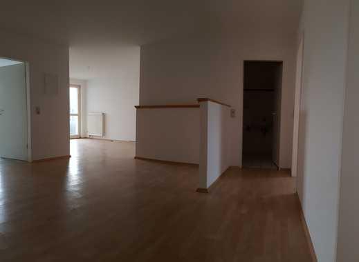 *Familien willkommen* - gut geschnittene 4-Zimmer Wohnung mit Balkon